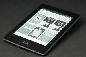 Kindle-Paper-White-flat-angle